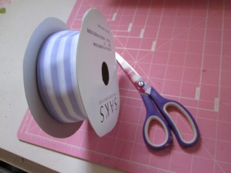 No Sew No Glue Ribbon Wreath - ribbon, scissors, and cutting mat