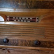 Value of a Philco Tabletop Record Player and Radio