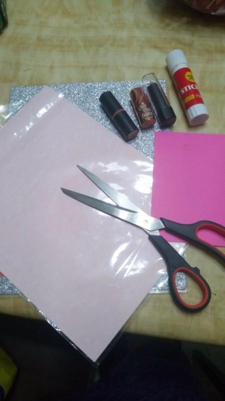 Kissmark Decorative Banner - supplies