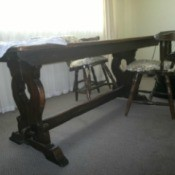 Identifying a Old Oak Trestle Table - view showing the legs