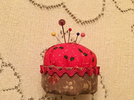 Bottlecap Pincushion - finished cushion with pins