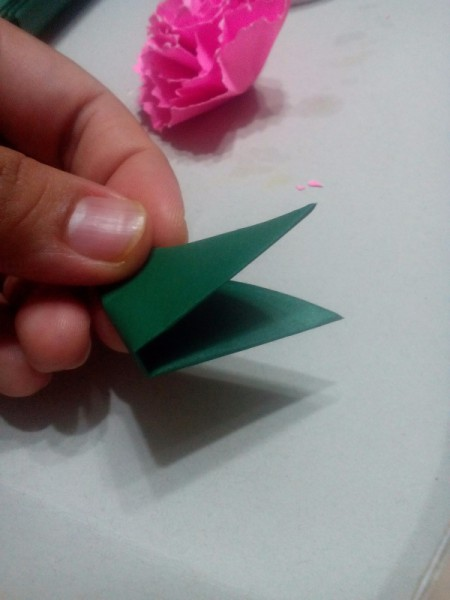 Paper Carnation Wreath - fold green paper into a triangle - twice