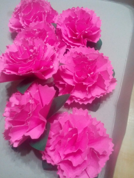 Paper Carnation Wreath - continue making flowers until you have enough to cover your wreath