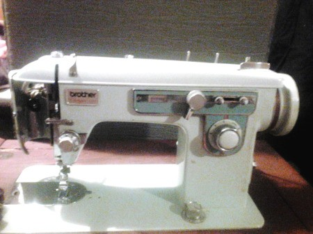 Repairing a Brother Charger 651 Sewing Machine - vintage machine