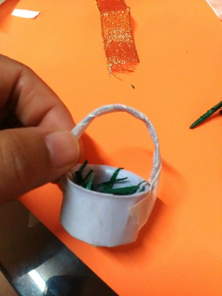 Bottle Cap Mini Flower Basket - glue in place and wrap with narrow ribbon and glue in place