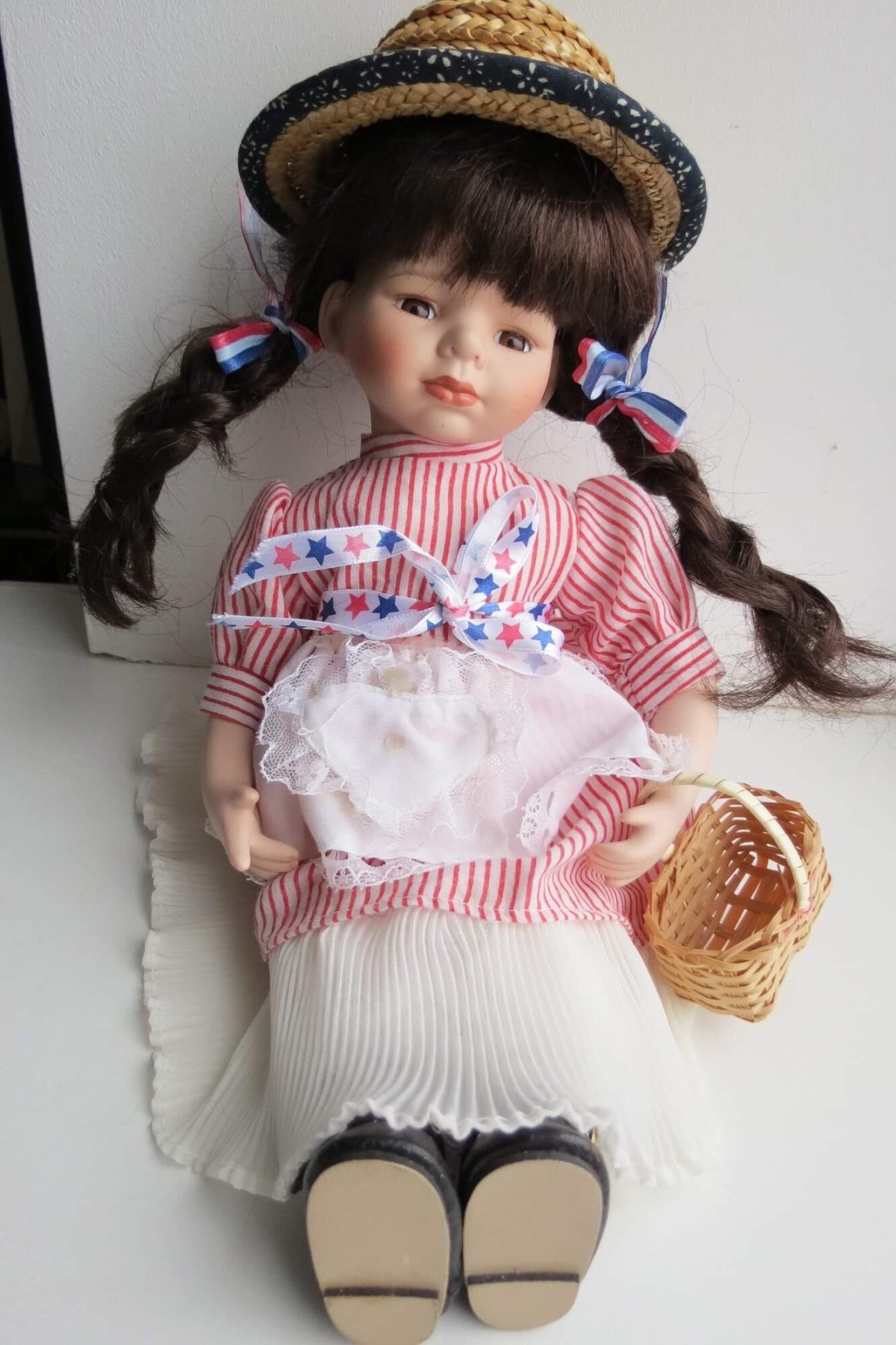 Identifying a Porcelain Doll | ThriftyFun