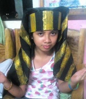 Making an Egyptian Headdress - done