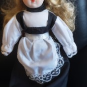 Identifying a Porcelain Doll With No Markings