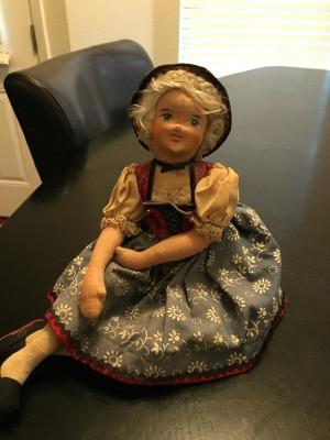Finding the Value of Vintage Dolls - vintage cloth German doll