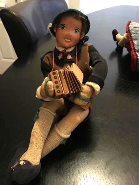 Finding the Value of Vintage Dolls