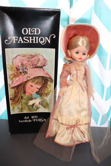 Finding the Value of Vintage Porcelain Dolls