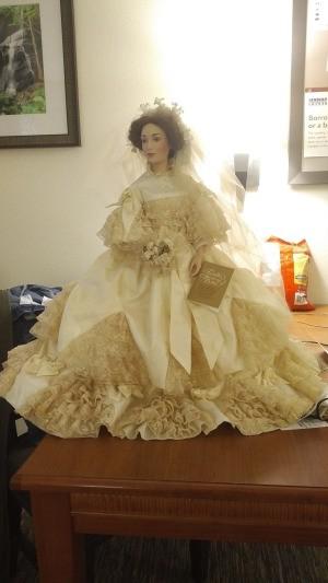 Identifying a Franklin Porcelain Doll - Victorian bride doll