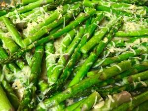 finished Crispy Garlic Parmesan Asparagus