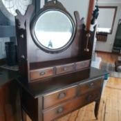 Identifying an Antique or Vintage Dresser - old mirrored dresser