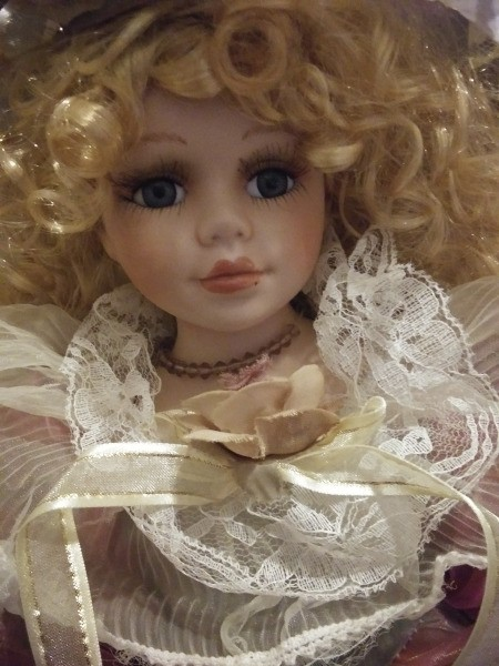 Identifying a Cathy Collection Porcelain Doll