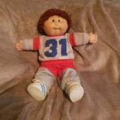 Selling a Vintage Cabbage Patch Doll - boy doll in sweats