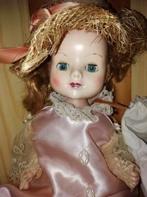Identification and Value of Porcelain Dolls - older porcelain doll