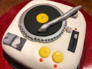 DIY Turntable Cake - finished cake