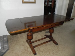 Super Value Of A Vintage Or Antique Table Thriftyfun Caraccident5 Cool Chair Designs And Ideas Caraccident5Info