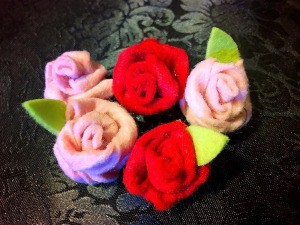 Easy Felt Flowers - 5 finished felt roses