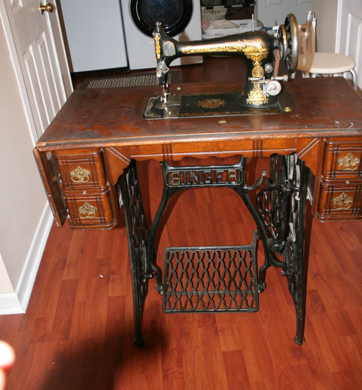 Value Of A Singer Treadle Sewing Machine Thriftyfun