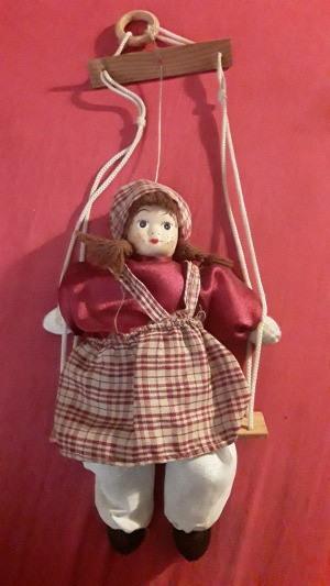Identifying a Porcelain Doll - marionette style doll
