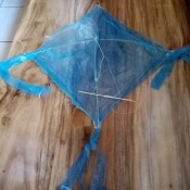 How to Make a Mini Kiddie Kite - it is ready to fly