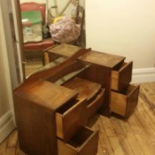 Tips for Selling Vintage Furniture - vintage dressing table with large mirror