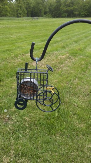 Making Simple  Suet Cakes - place can in the suet feeder