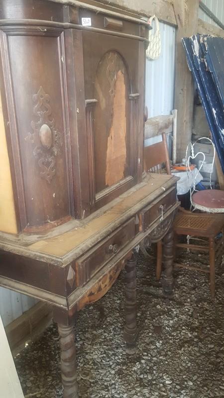 Identifying Vintage Furniture