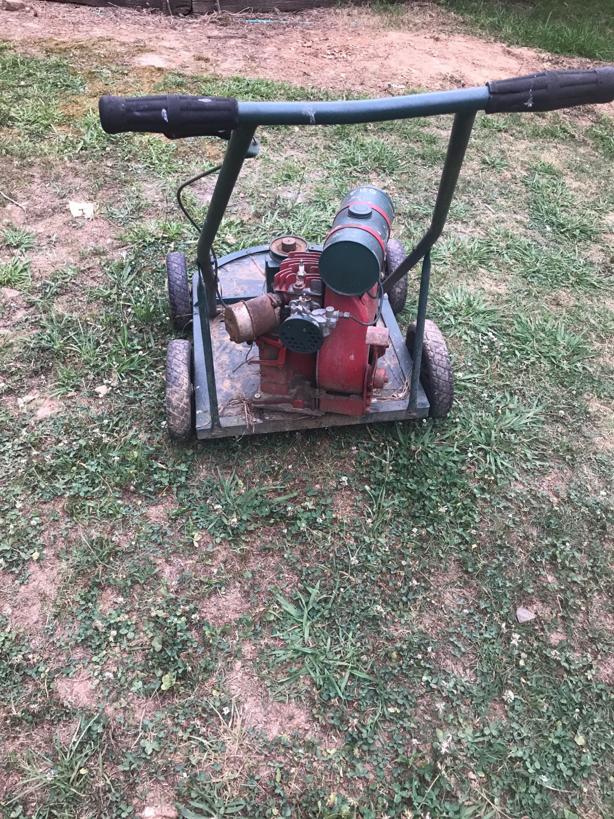 Finding the Value of Antique Lawn Mowers | ThriftyFun