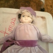 Identifying a Porcelain Doll - old style doll