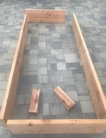 DIY Wooden Raised Garden Bed - cut corner supports