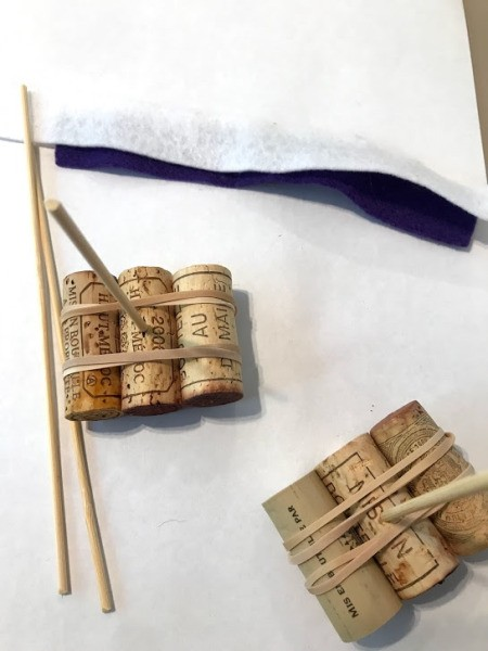 3 Step Bath Cork Boat Toy - cut strips of felt and tie to the stick as flags