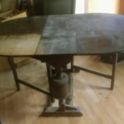Identifying Antique Furniture - drop leaf table