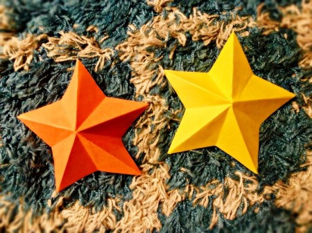 3D Kirigami Paper Stars - two stars, one yellow and one orange