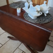 Identifying an Antique Table - drop leaf mahogany finish table