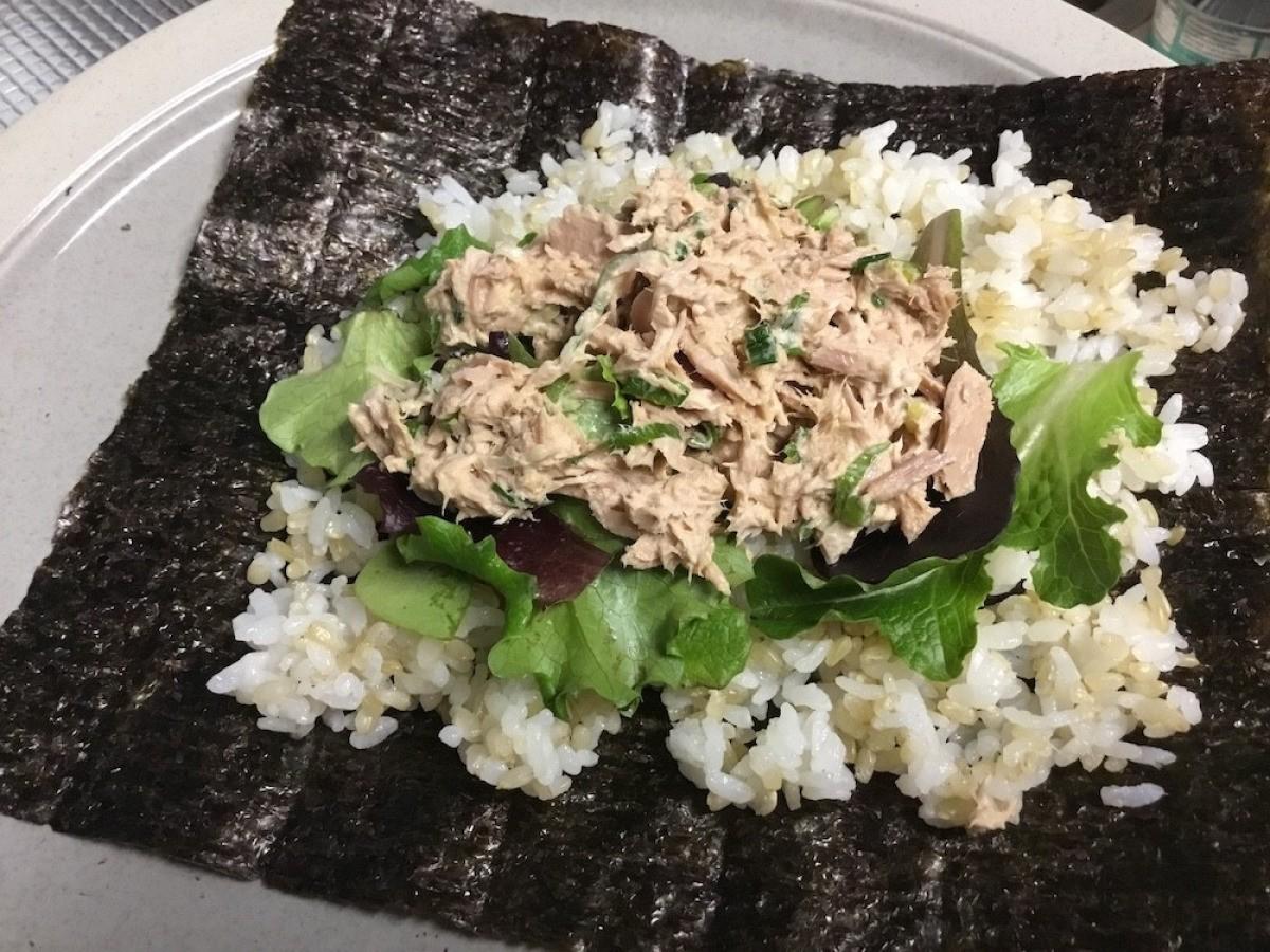 Tuna Mayo Onigiri | ThriftyFun