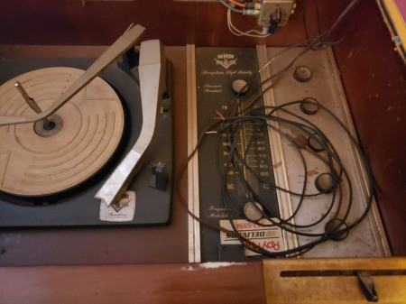 Value of a Vintage DuMont Stereo Console