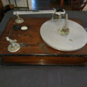 Value of a Vintage Universal Turntable Recorder - microphone company recording device with turntable