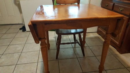 Identifying a Drop Leaf Dining Table