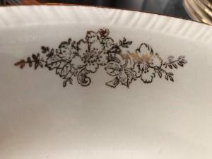 Identifying Homer Laughlin China - bronze floral pattern