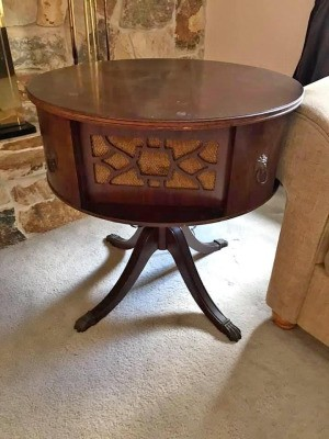 Identifying a Brunswick Drum Table Radio - drum style table with built in radio