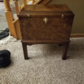 Value of a Lane Mini Chest - small chest on legs