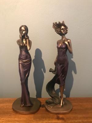 Value of Leonardo Collection Figurines - two bronze colored figurines