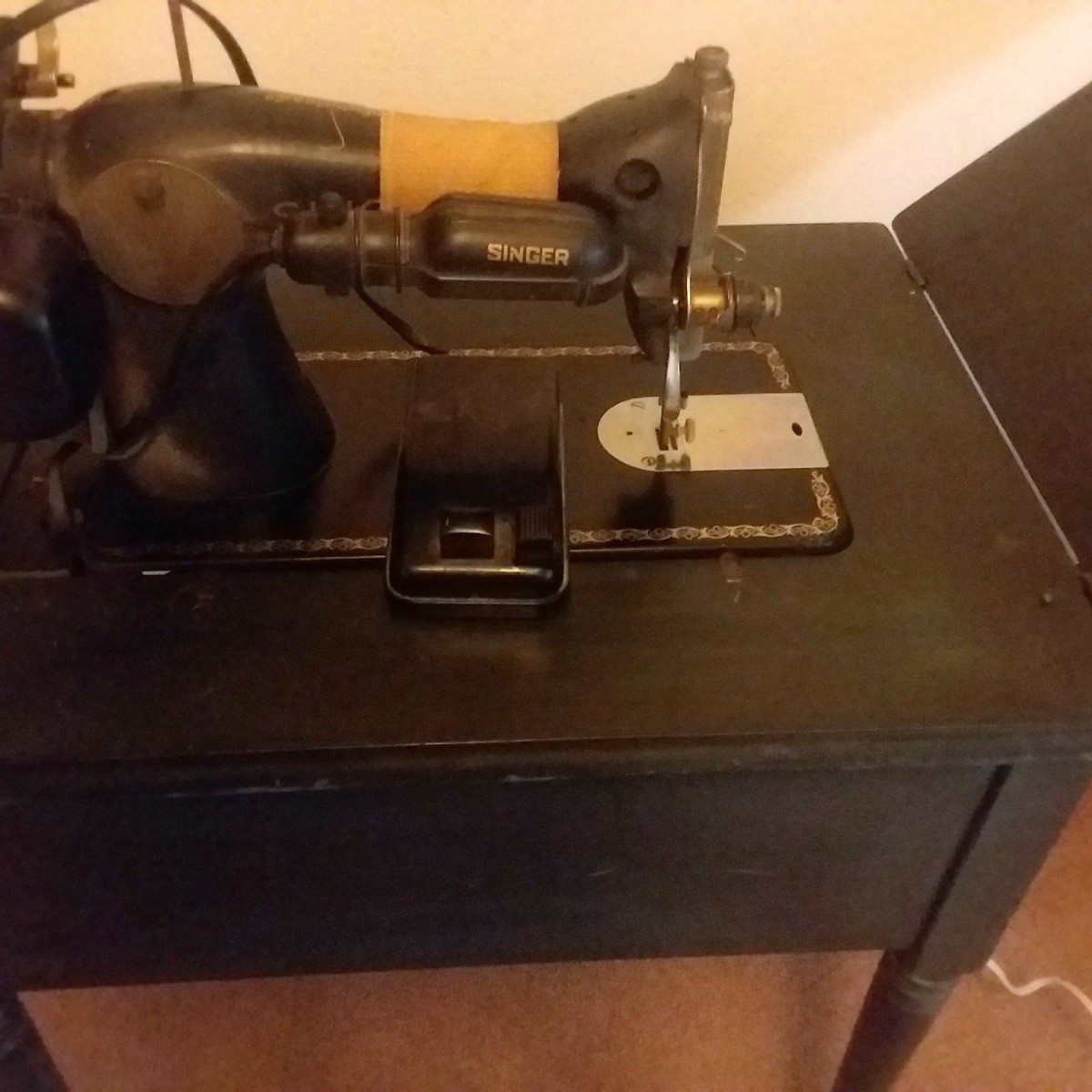 Value and Age of a Vintage Singer Sewing Machine?   ThriftyFun