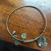 Restoring a Tarnished Gold Bracelet - cleaned bracelet