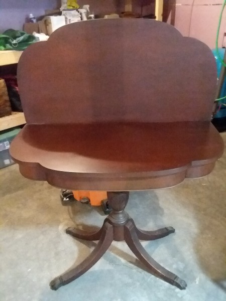 Identifying a Vintage Fold Top Table