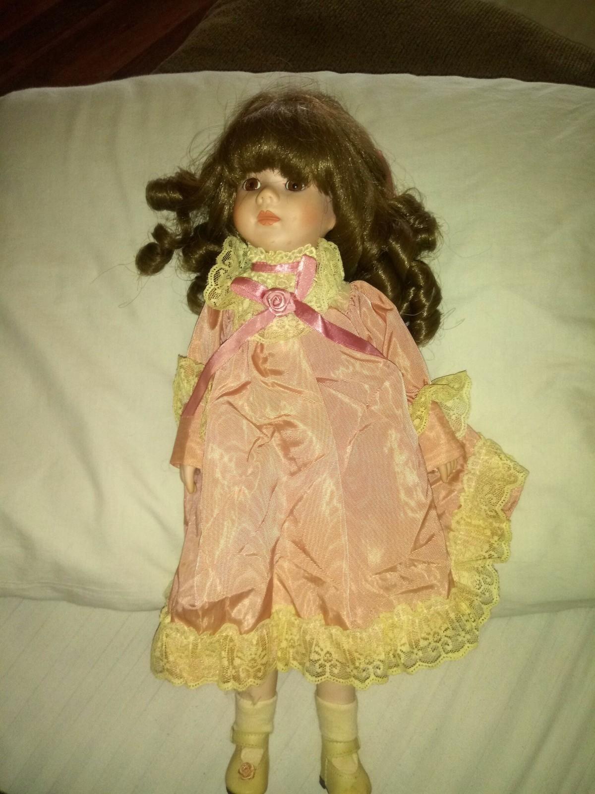 Finding the Value of Brinn Porcelain Dolls?  ThriftyFun