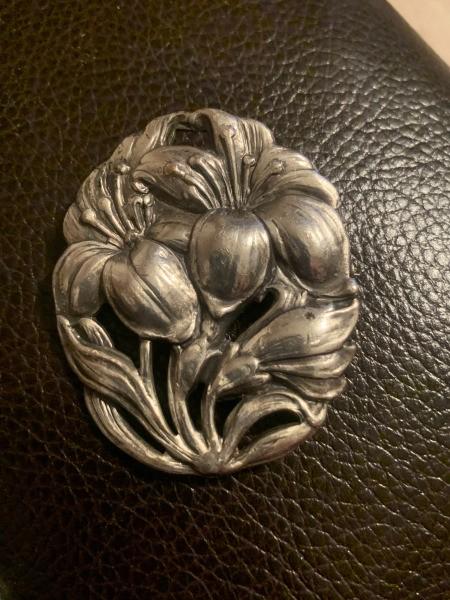 Identifying a Hallmark on a Brooch